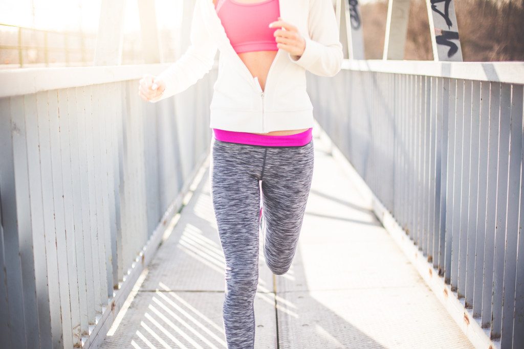 fitness-girl-jogging-morning-run-picjumbo-com